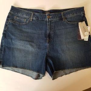 NYDJ Zaya Frayed Hem Short size 20w brand new